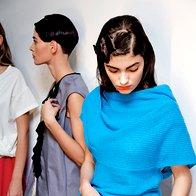 Obrt in umetnost: Obleka, pletena majica in krilo, vse Almira Sadar. (foto: Helena Kermelj)