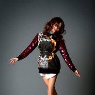 Pulover Givenchy; bluza Mani by Manuel Maligec; vintidž pas Miu Miu; mokasini Tod's. (foto: Decker + Kutić)