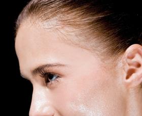 Prihodnost kozmetike: botoks v kremi, tekoča koža in še kaj