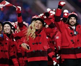 """Foto: Kdo je olimpijcem sešil """"srajčice""""?"""