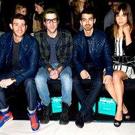 Joe Jonas s prijatelji (foto: Profimedia)