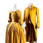 18. STOLETJE: Rumena obleka iz tafta (1770) in moški svileni komplet (1790) iz Amerike, ko je v modo vstopila rumena barva. (foto: promocijsko gradivo the museum at fit)