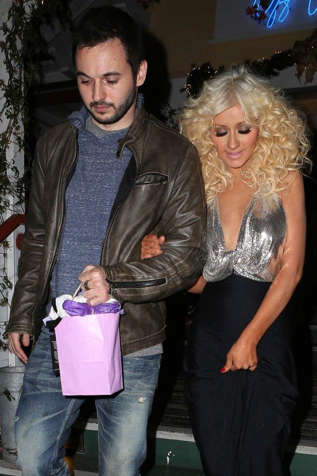 Christina Aguilera: Zaroka in dojenček