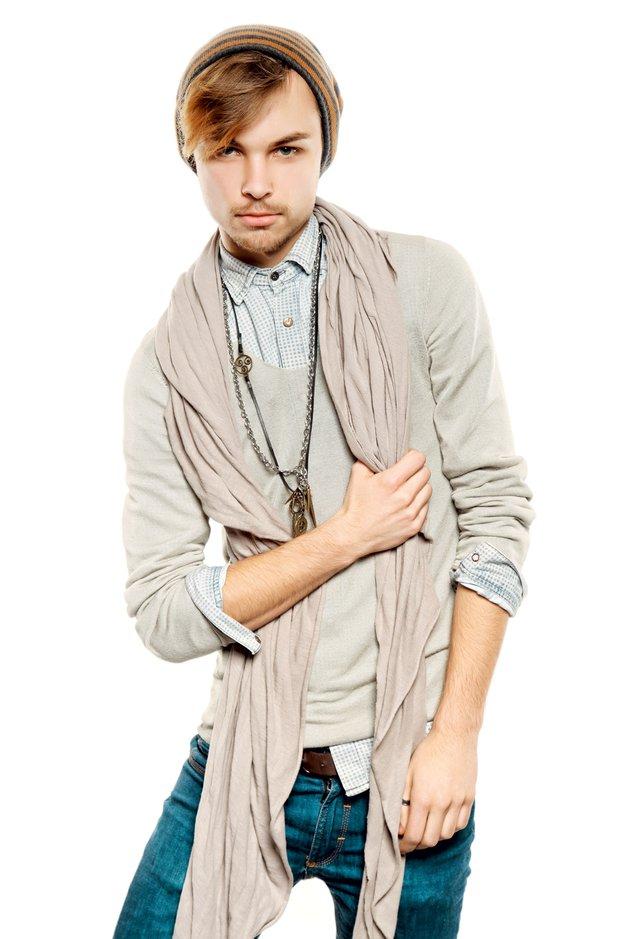 David Hojnik je s svojim nakitom priljubljen pri številnih estradnicah.  - Foto: revija Lea