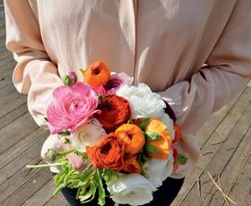 Pismo urednice: Prihaja pomlad in čas porok