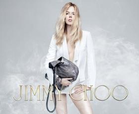 """Video: Nicole """"spodaj brez"""" za Jimmy Choo"""
