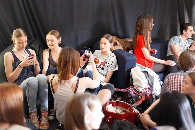 6 tvitov, ki so nas nasmejali na drugi dan Fashion Weeka Aquafresh - Foto: Helena Kermelj