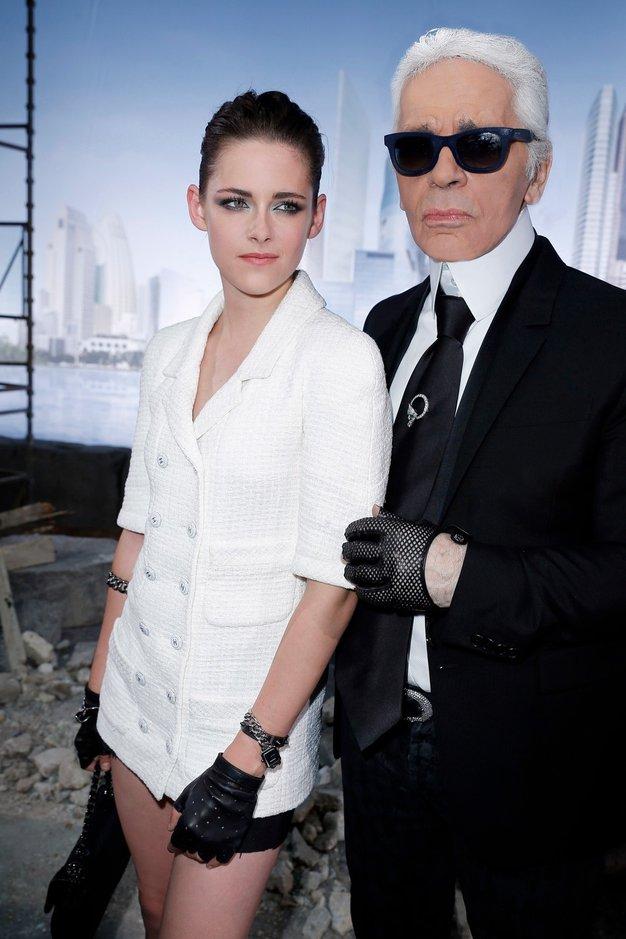 Kristen Stewart in Karl Lagerfeld - Foto: Profimedia