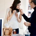 Keira in Jacques Polge, vodja pri Parfums Chanel. (foto: promocijsko gradivo)