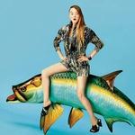 Devon Aoki za Kenzovo kampanjo jezdi ribo. (foto: Windschnurer, imaxtree)