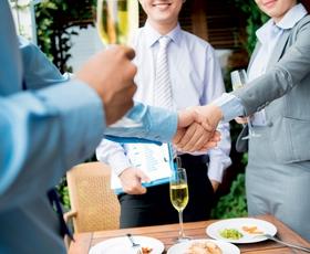 Kako do uspešnega poslovnega kosila