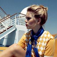 Kratke hlače Stefanel, 99 €; pulover Moschino Cheap & Chic, 369 €; ruta Frey Wille, 345 €. (foto: Mimi Antolović)