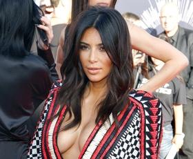 Foto: Globoki dekolteji in visoki izrezi na MTV-nagradah