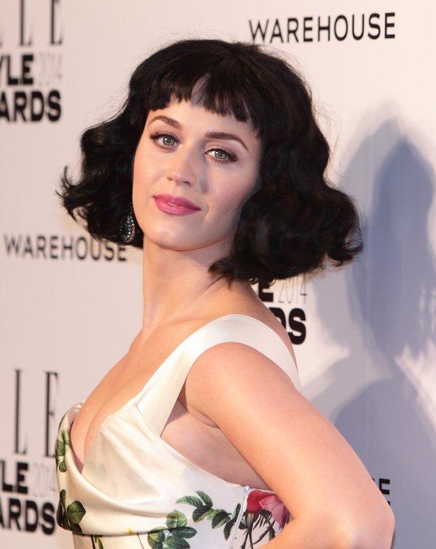 Katy Perry je zmagala v kategoriji Ženska leta. - Foto: Profimedia