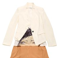 Suknjič Marella, 197 €, Majica Max & Co., 60 €, Kratke hlače, DKNY, 199 € (foto: Windschnurer, imaxtree)