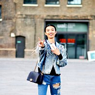 Manekenka pred modno revijo v New Yorku. (foto: Profimedia)