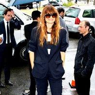 Modna novinarka in blogerka Caroline de Maigret pred Diorjevo modno revijo v Parizu. (foto: Profimedia)
