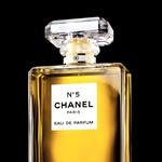 Gisele Bündchen nov obraz kultnega parfuma Chanel N°5 (foto: promocijski materijal Chanel)