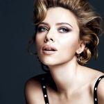 S svojimi ekspresivnimi, igrivimi očmi je Scarlett idealen obraz oglaševalske kampanje novih kremastih senčil za oči Perfect Mono, Dolce & Gabbana, ki bodo na police parfumerij prispeli v septembru. (foto: profimedia)