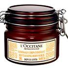 Poživljajoči piling za telo L'Occitane, 33,60 € (foto: BORIS PRETNAR, WINDSCHNURER, IMAXTREE, SHUTTERSTOCK.COM IN PROMOCIJSKO GRADIVO)