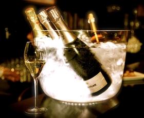 V Ljubljani zaživel prvi šampanjec bar!