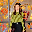 Miranda Kerr: Retro dinamična barvitost