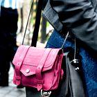Modna urednica priporoča: Dvojno torbico