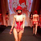 Lisca blestela med nosilci trendov v Parizu