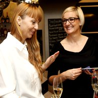 Petra Windschnurer in Tina Slabe iz L'Oreal Slovenija.