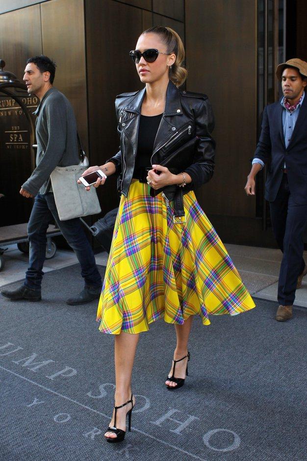 Jessica Alba in robati šik - Foto: profimedia