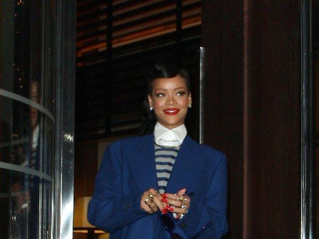 Rihanna in sivo-modra eleganca - Foto: profimedia