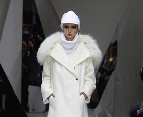 Pariški teden mode se je začel v duhu Azije
