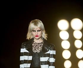 Yves Saint Laurent: uporništvo skozi modo