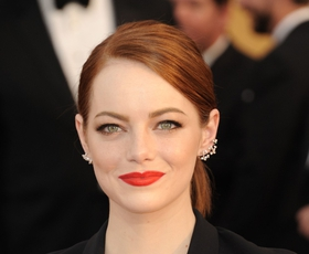 Brezčasna eleganca rdečih ustnic