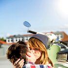 Kakšne spomine imate na svoj prvi poljub?