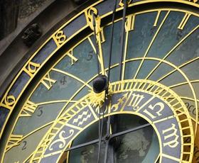 Mesečni in dnevni horoskop za astro navdušenke