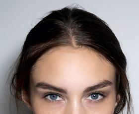 S pravilno obliko obrvi uokvirite svoj obraz