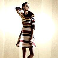 Obleka Max & Co., 265 €;  pulover Max & Co., 175 €;  sandale United Nude, 169 €. (foto: Mitja Božič)