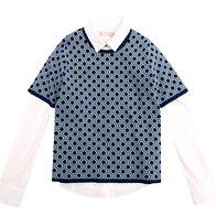 Bluza Stefanel, 79 €, majica Stefanel, 115 € (foto: Windschnurer, profimedia)