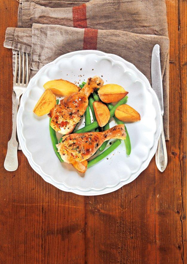 Recepti: Slastna, aromatična in malce eksotična piščančja stegna - Foto: Revija Čarovnija okusa