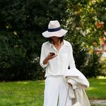 Foto: Kako bomo letos nosile bele hlače? (foto: profimedia)