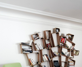 9 knjižnih omar, ki niso samo za knjižne molje