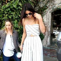 Kendall Jenner v elegantnih črtah (foto: profimedia)