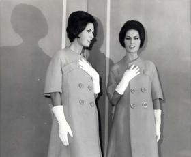 Moda v Gibanju: Čudovita razstava o italijanskem stilu med letoma 1951 in 1990 & utrinki slovenske mode