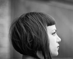 Pod lupo: Sara Valenci