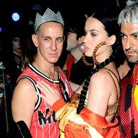 Katy Perry s kreativnim direktorjem Moschina Jeremyjem Scottom (foto: profimedia)