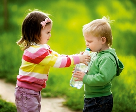 Otroci in njihova potreba po pitju vode