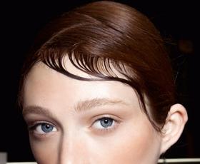 Top moderni pristop k poletnim frizuram