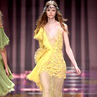 Foto: Atelier Versace v Parizu navdušil s sanjavo kolekcijo (foto: profimedia)