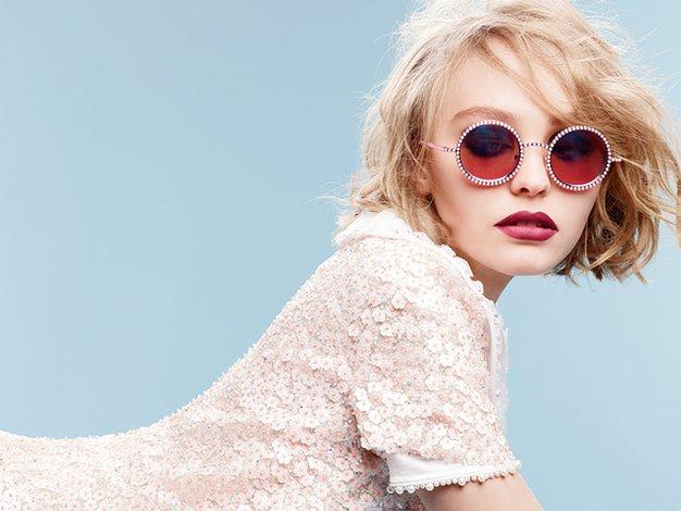 Lily-Rose je novi obraz Chanelovih očal - Foto: Chanel press